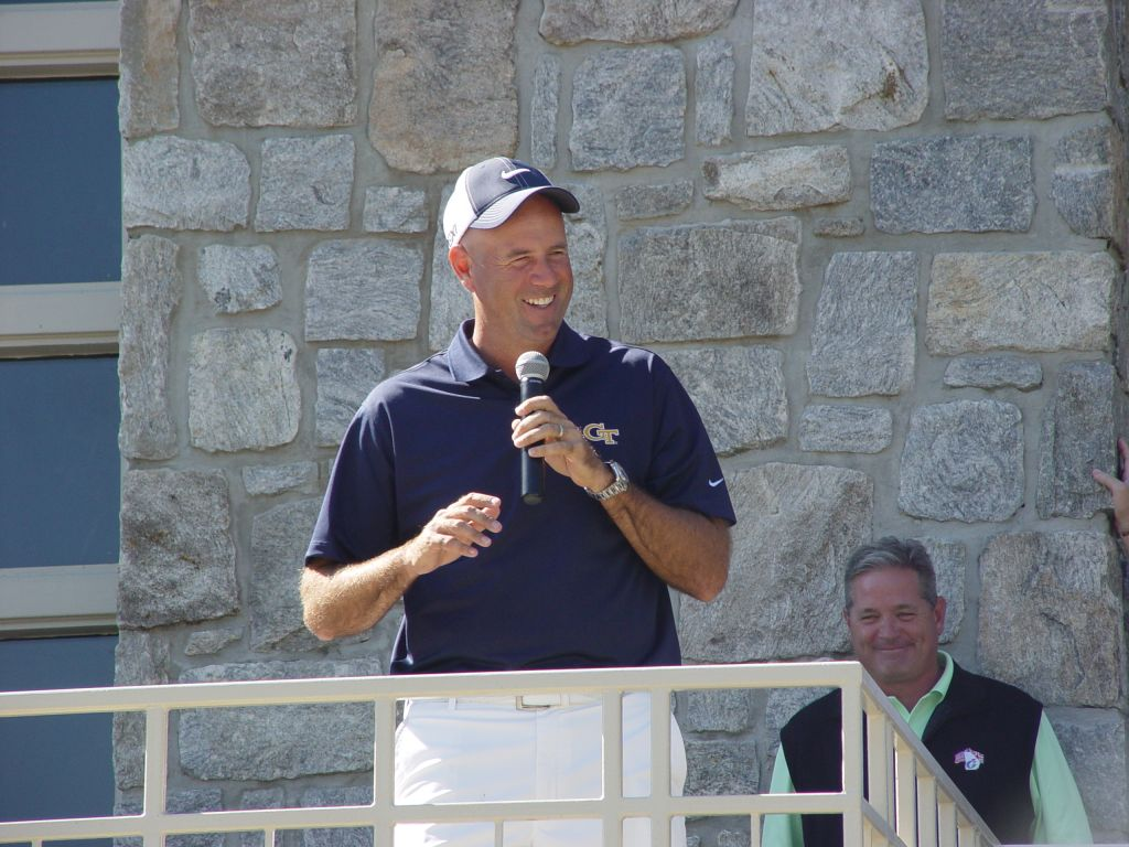 Stewart Cink speaking to the participants at the Ramblin' Wreck Cup 2011 at the Golf Club of Georgia