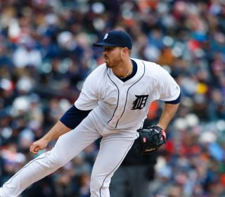 Detroit Tigers relief pitcher Buck Farmer (45)  pitches against the New York Yankees. Credit: Rick Osentoski-USA TODAY Sports