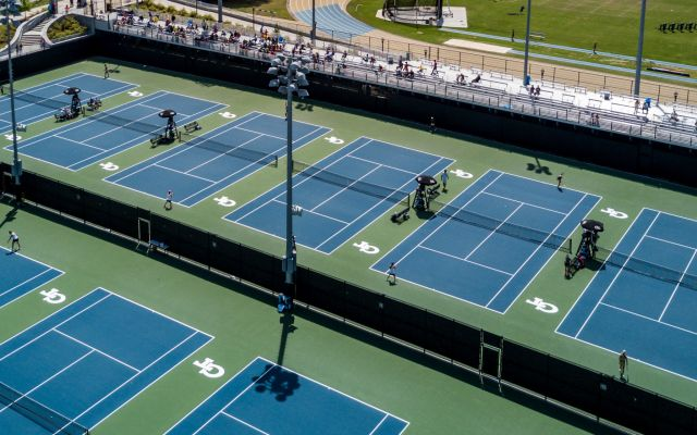 Jackets Sport Successful Season Debut at USTA Invitational