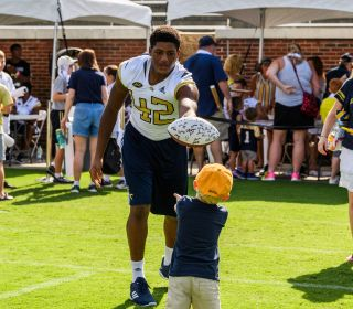 VIDEO/PHOTOS: Fan Day 2018