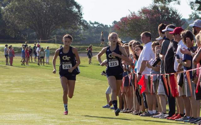 Cross Country Women Upset No. 19 Georgia