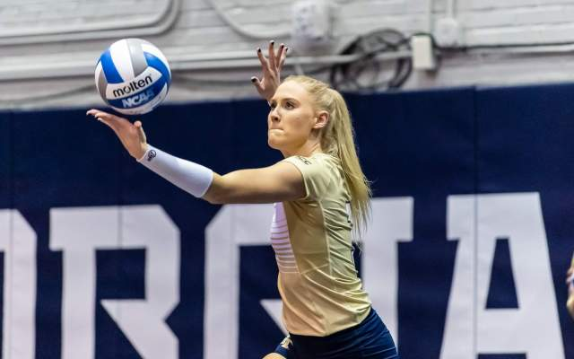 Volleyball Team Notches First Conferece Win; Defeats Florida State