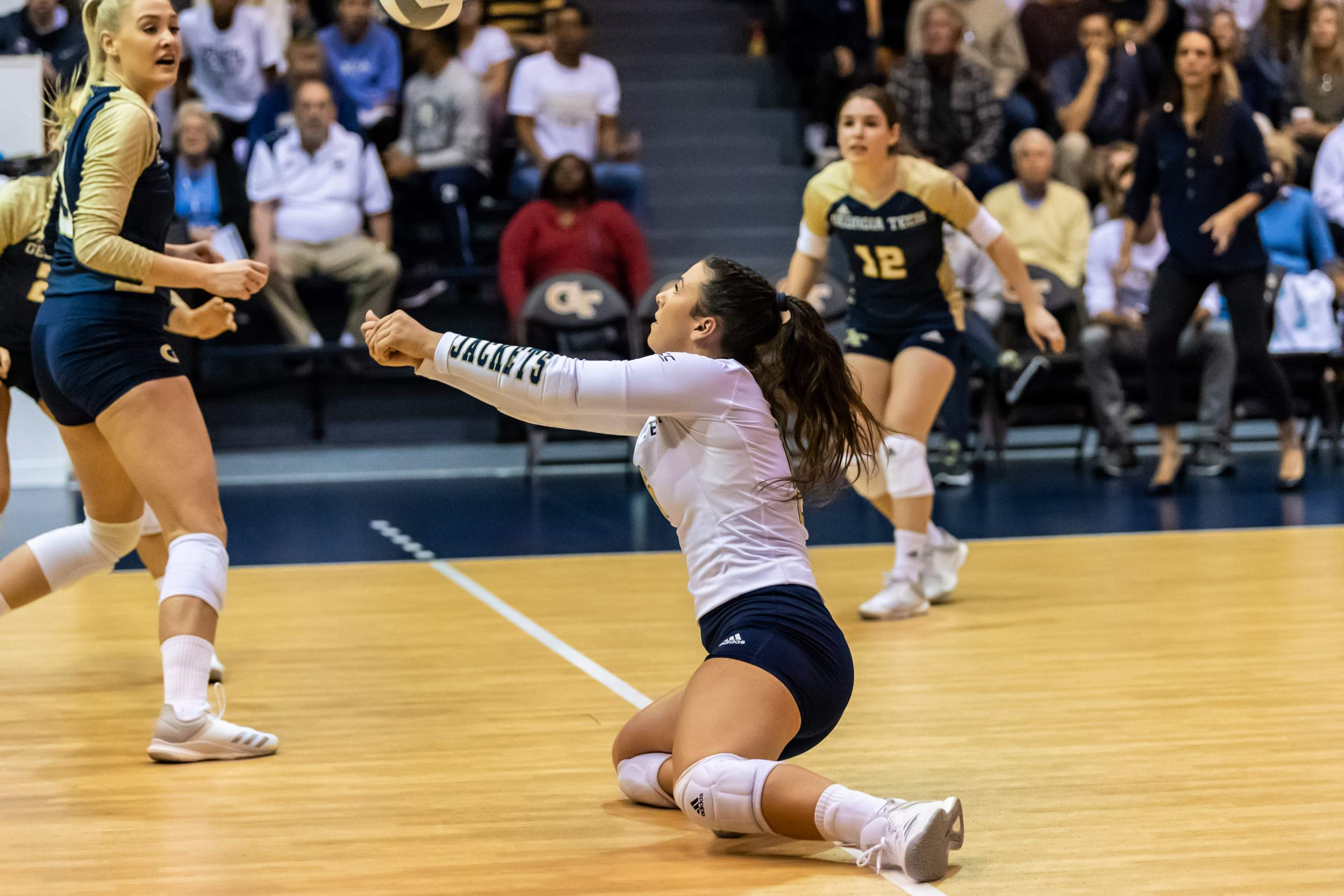 Volleyball Travels to Virginia