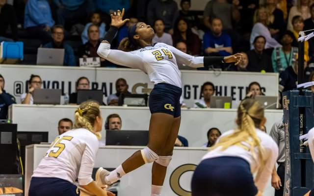 Volleyball Rallies to Beat Boston College, 3-2