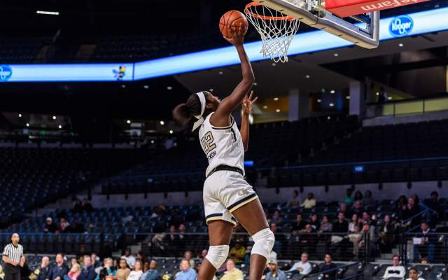 Whiteside's Career High Leads Georgia Tech Past Washington, 52-44