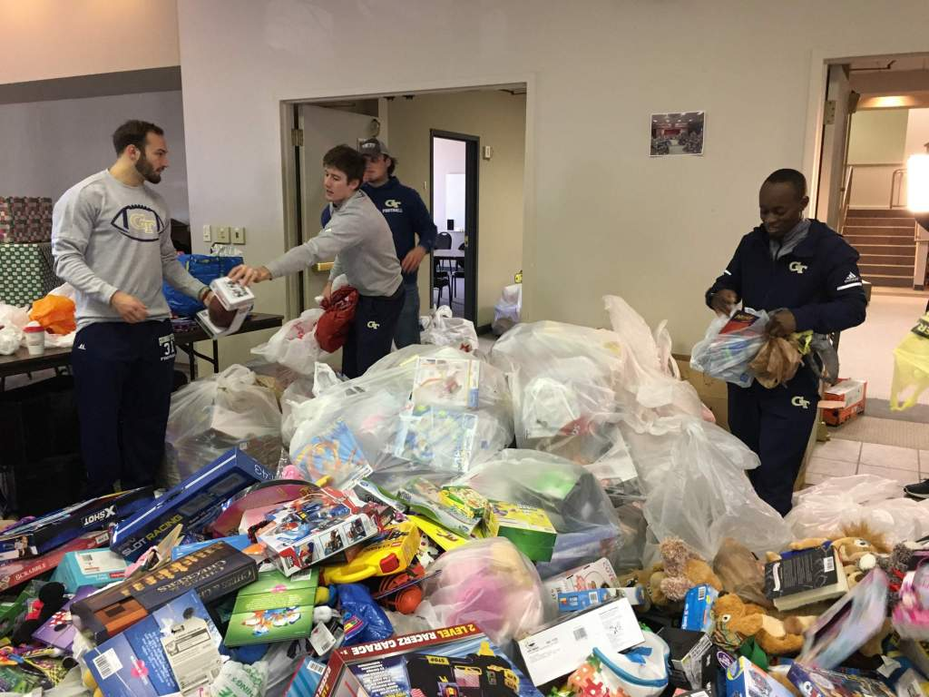 Yellow Jackets Deliver Record Donations