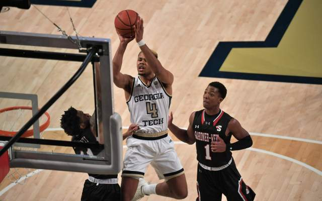 Jackets Defeated By Maryland, 74-63