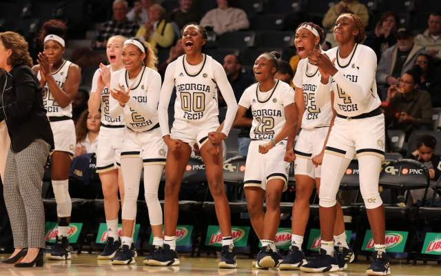 Women's Hoopsters Renew Series with Georgia, Travel to Maryland