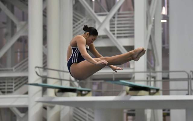 Georgia Tech Rolls Past SCAD, Divers Down Clemson