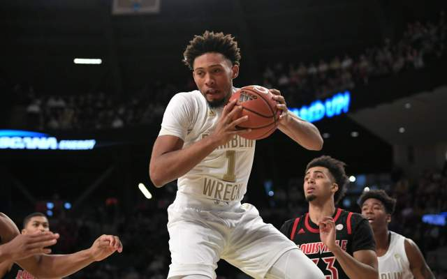Yellow Jackets Fall To No. 4 Duke, 65-61