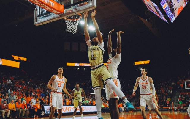 Georgia Tech Upends Illinois, 67-64