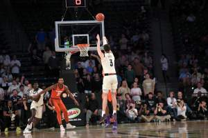MBB Pulls Away From VCU, 77-64