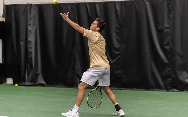 Eubanks Drops First Round Match in Collegiate Invitational