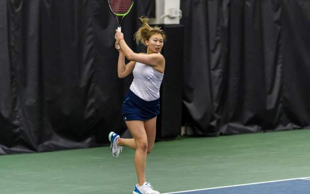 Women's Tennis Rolls to 5-2 Victory Over Oregon