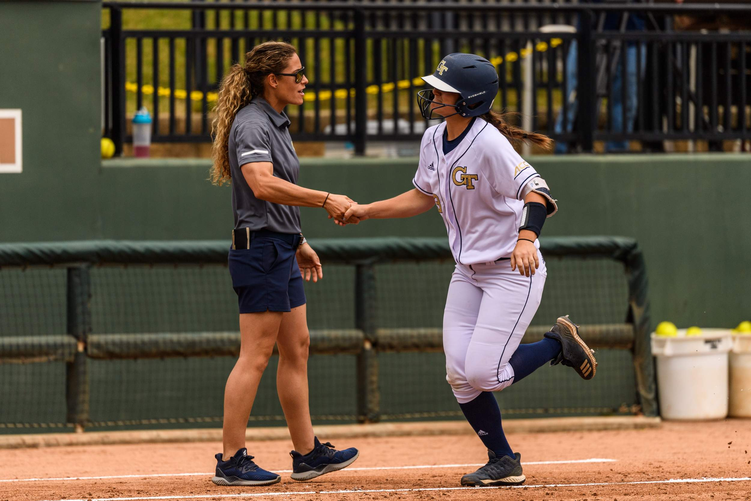 Jackets Head to Louisville