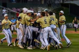Jackets Rally To Beat Miami, 6-3