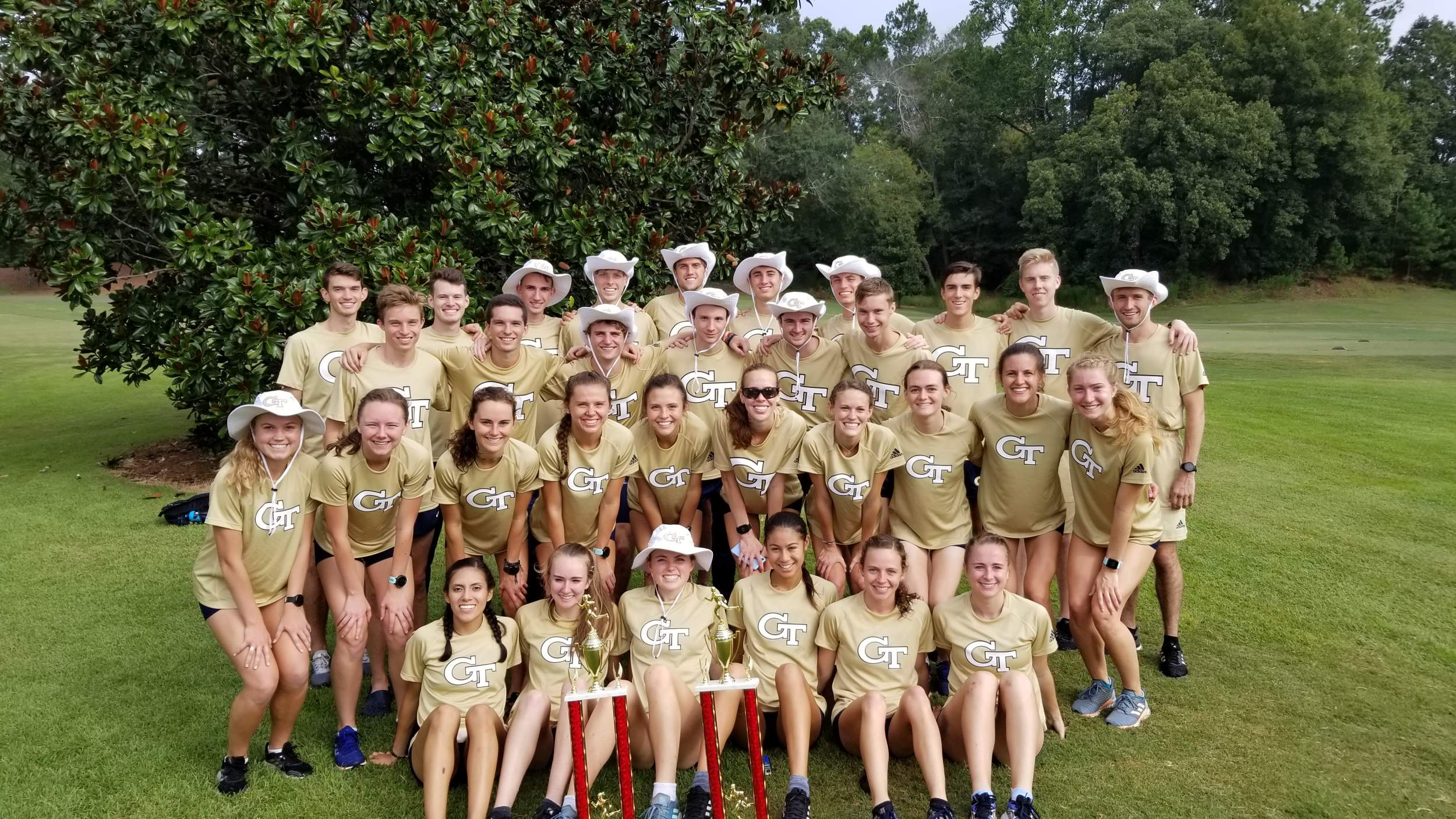 Jackets Sweep Bulldog Invite for Second Straight Year