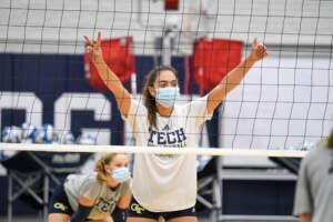 PHOTOS: Volleyball Returns to the Court