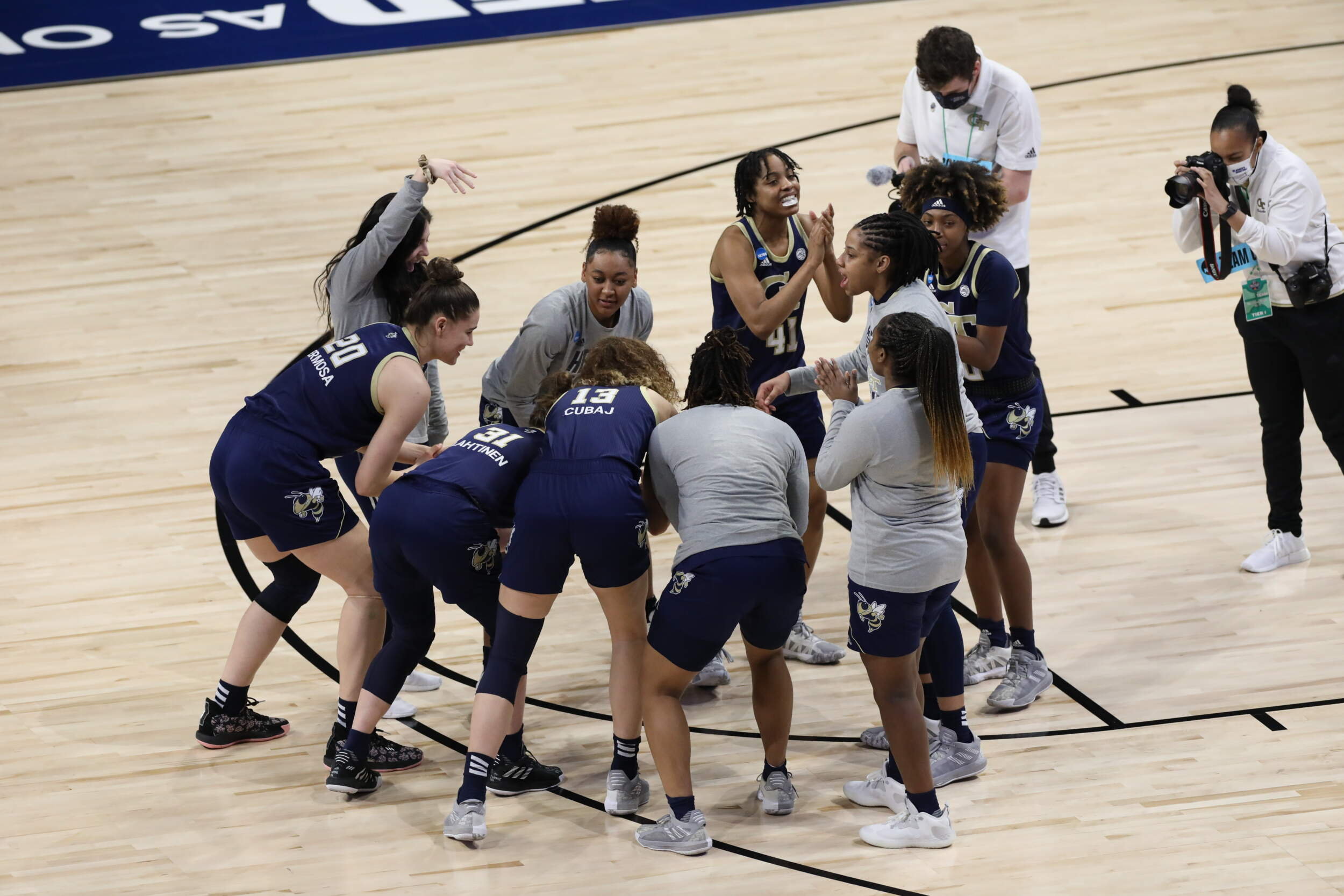 Women's Basketball Ranked No. 22 in Coaches Poll