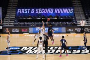 PHOTOS: Men's Basketball vs. Miami